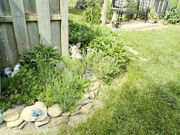 Hummingbird Creations Garden border